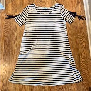 She + Sky tee-shirt dress